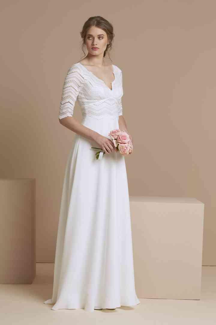 Vestido de novia sencillo con cuerpo y mangas con encaje geométrico Atelier Emelia Paris