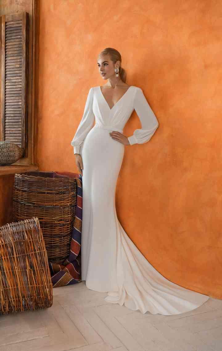 Vestido de novia sencillo con mangas de poeta Innocentia