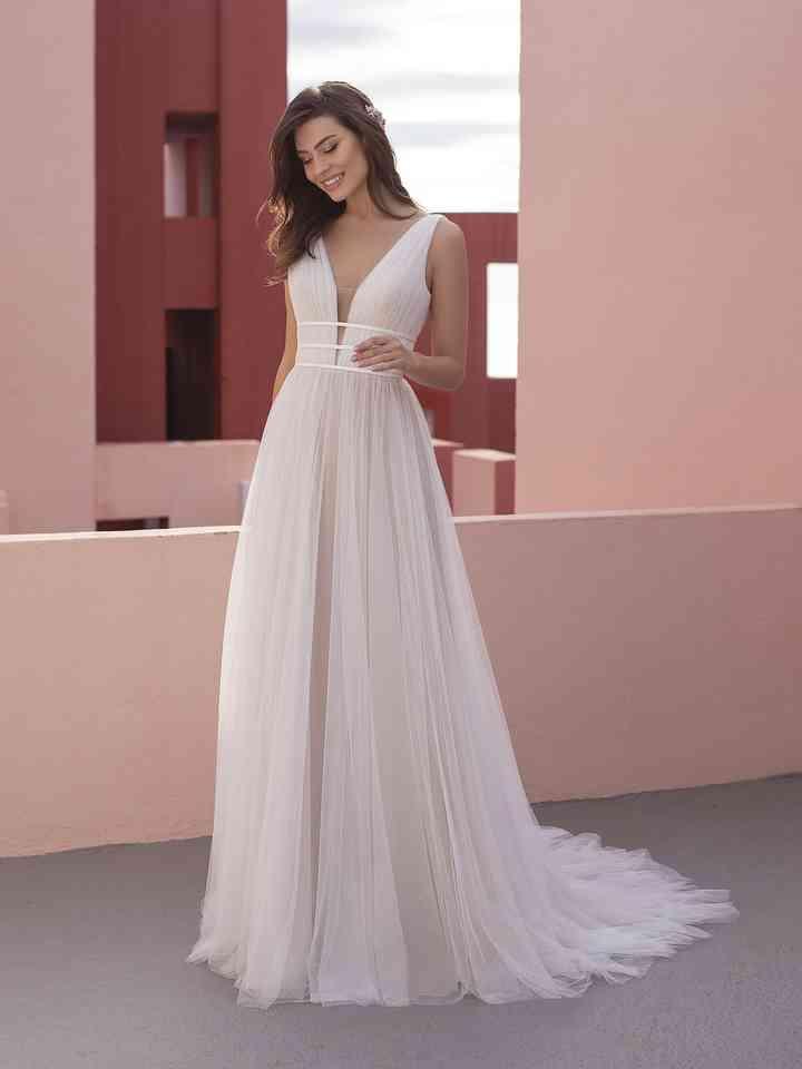 Vestido de novia sencillo con escote en V White One