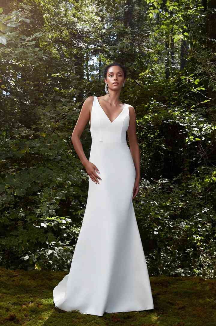 Vestido de novia sencillo con escote en V Anna Barge