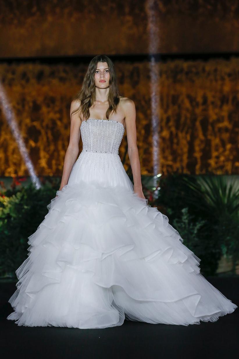 Vestido de novia con cuerpo entallado y falda abierta, de Nicole 2022, ideal para el día de la boda
