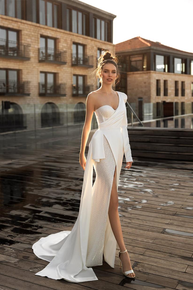 Vestido de novia de corte sirena con combinación de tejidos de la colección Seduction, de Ida Torez 2021
