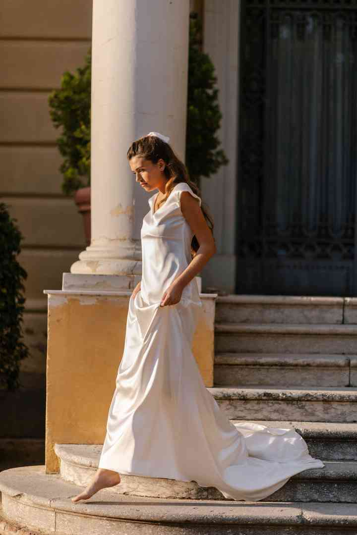 Vestido de novia sencillo de manga corta Marta Martí