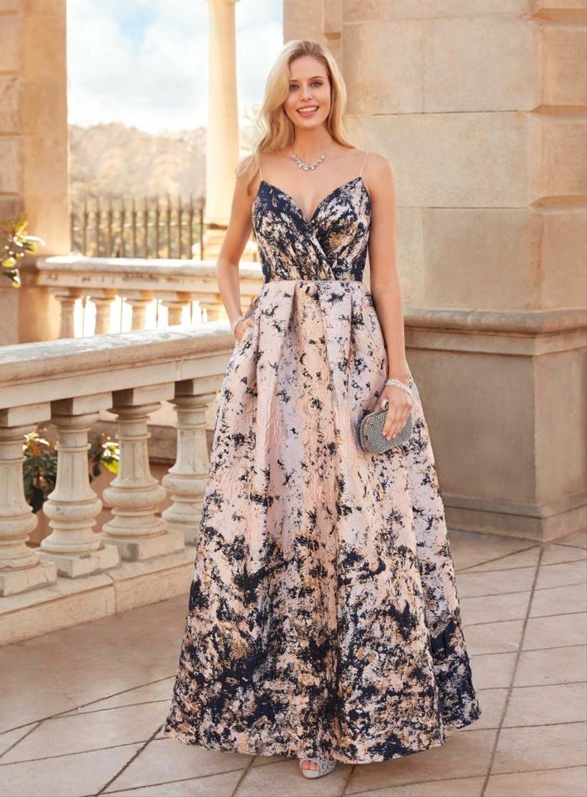 Vestido de fiesta largo, bicolor y estampado de Susanna Rivieri