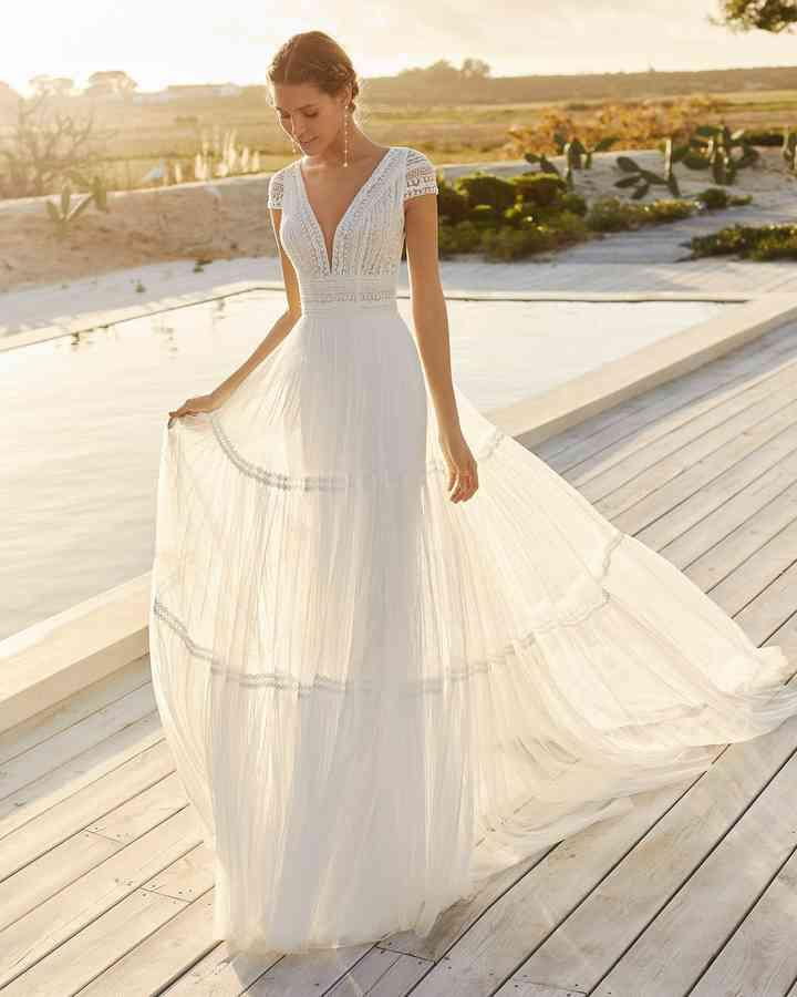 Vestido de novia sencillo de aire boho Aire Barcelona