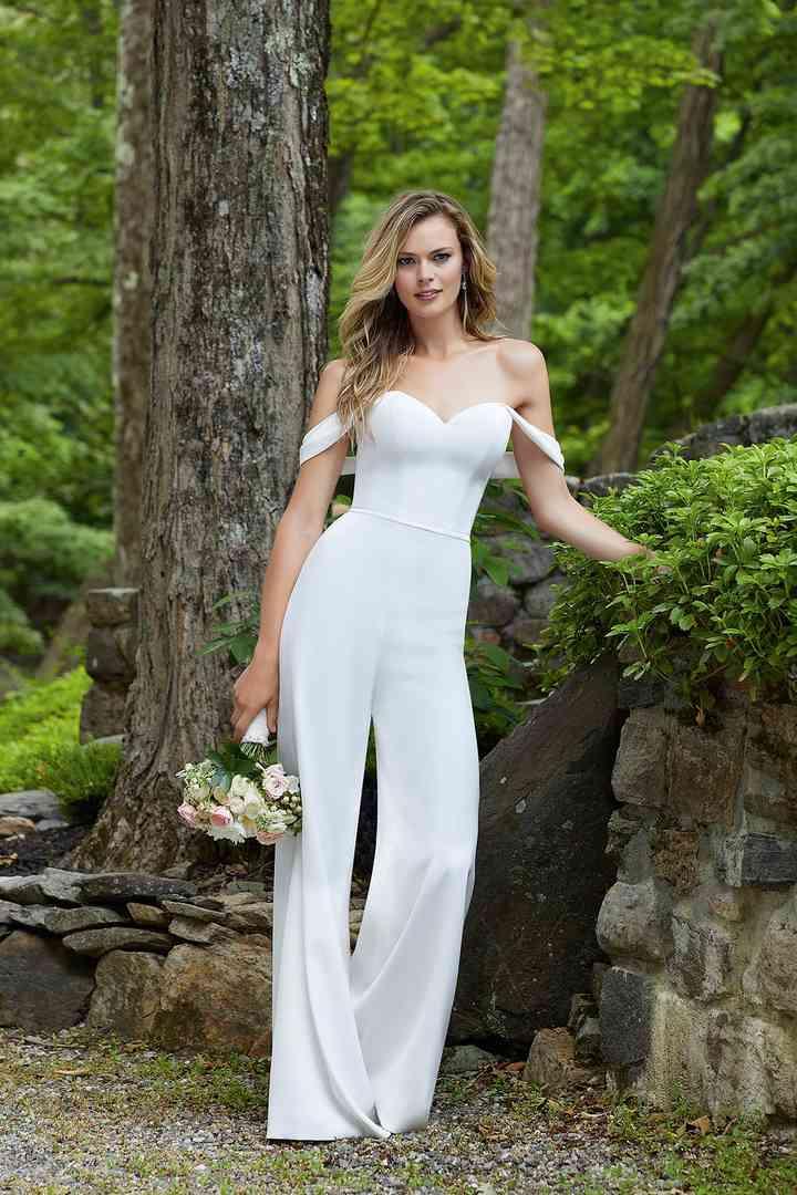 Vestido de novia sencillo con pantalones Morilee