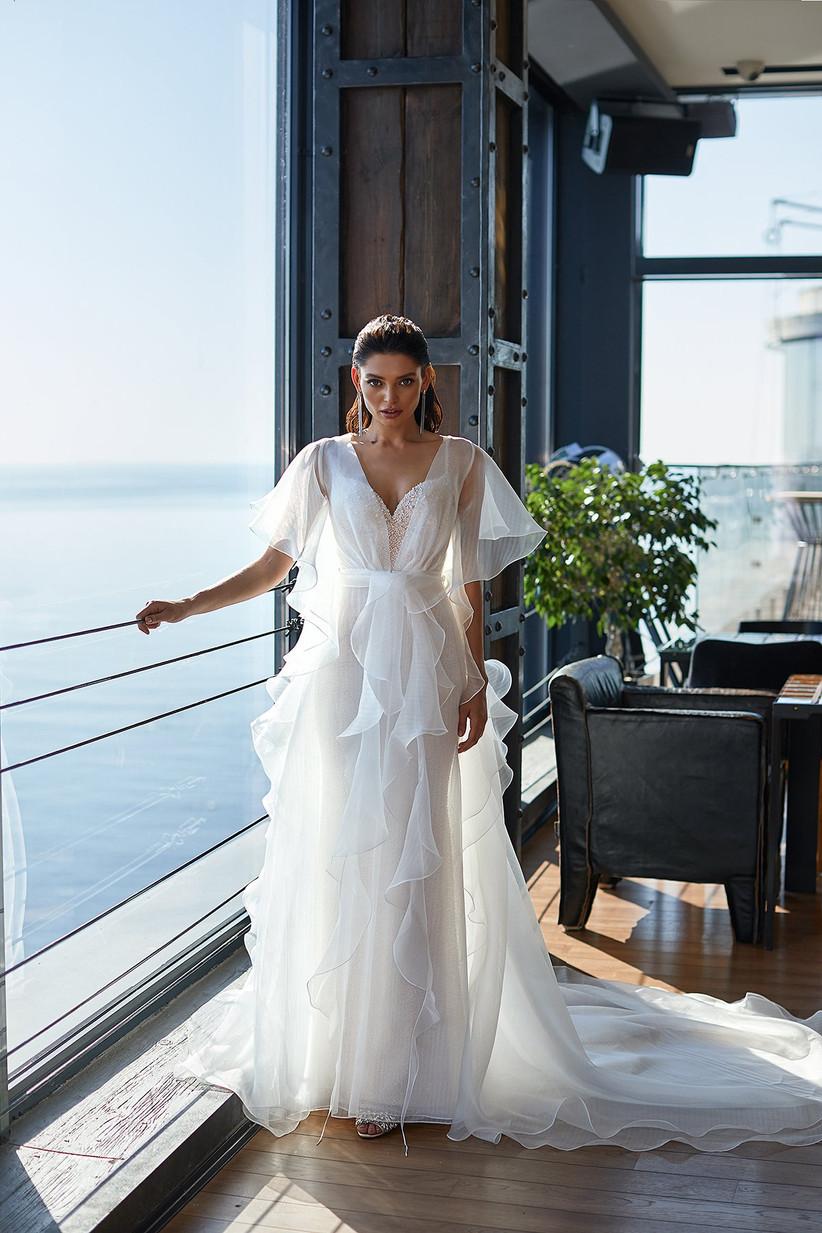 vestido de novia con abrigo de organza e hilo de algodón de la colección Brave Glance de Ida Torez 2021