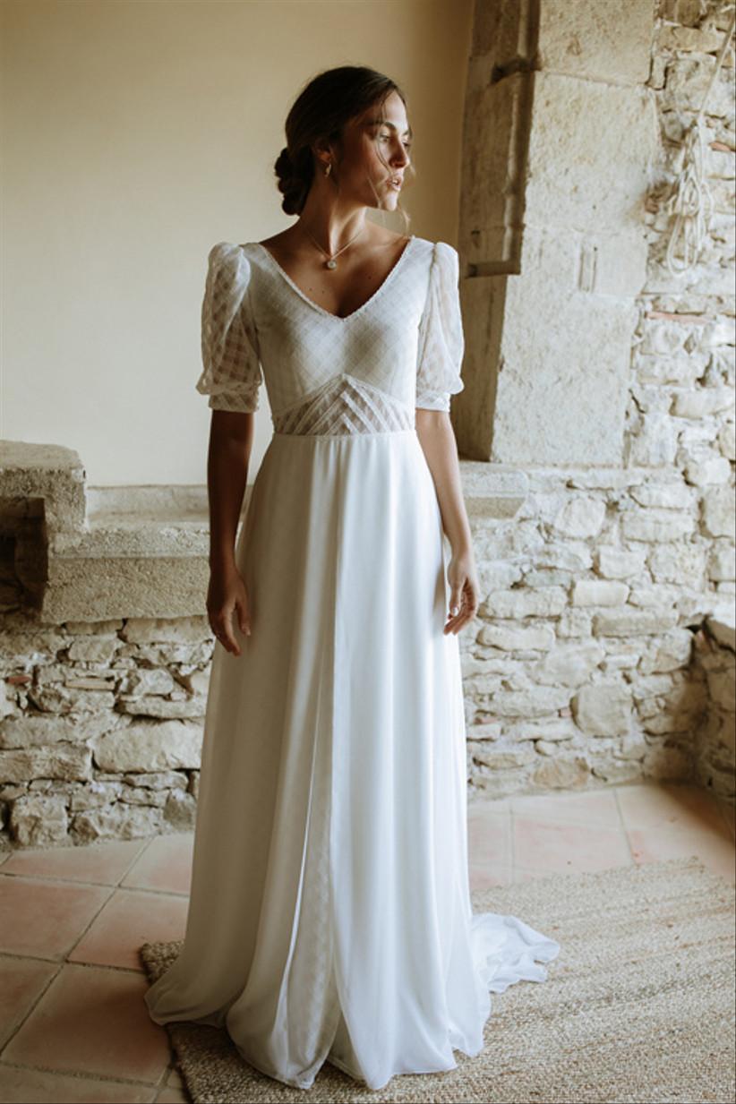 Modelo Agnes de L'Avetis 2021, un vestido de novia con escote en A y mangas