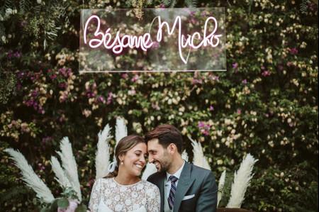 Neones para bodas: mensajes llenos de luz