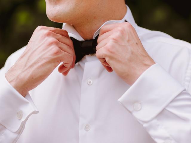 Protocolo para el novio: cómo elegir la camisa ideal