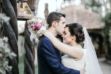 ¿Y si te cortas afeitándote el día de la boda?