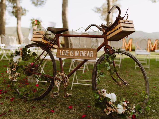8 maneras de incluir bicicletas en vuestra boda y conseguir que todo vaya... ¡sobre ruedas!