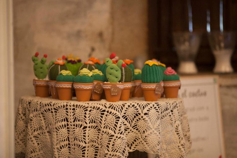 Cactus de tela como detalles de boda