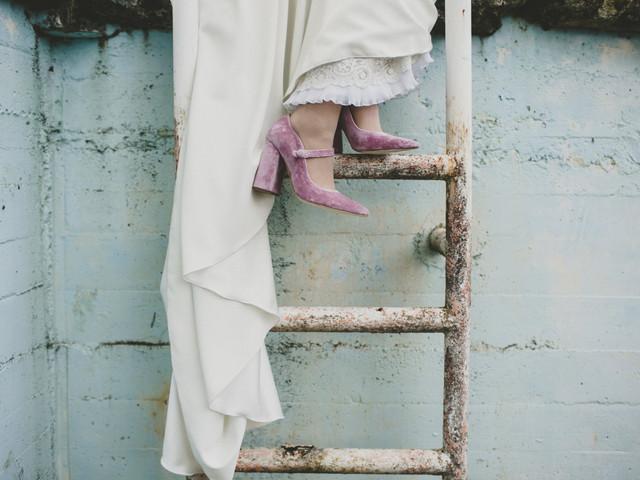 Zapatos de novia de color para bodas originales