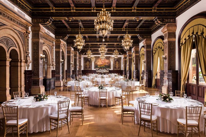 Banquete de boda en un salón interior