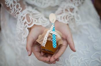 Tips para comprar los detalles de boda por internet