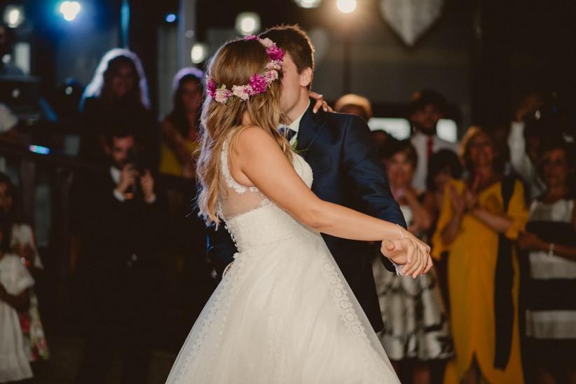 primer baile de pareja romántico el día de la boda