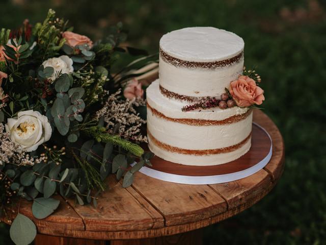 Echaos muchas flores… ¡en la tarta nupcial!