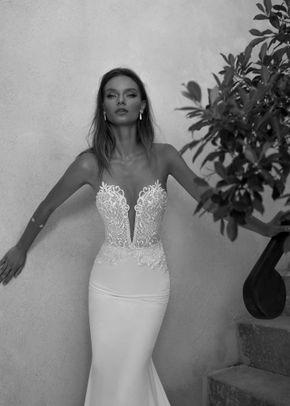 1454, Julie Vino