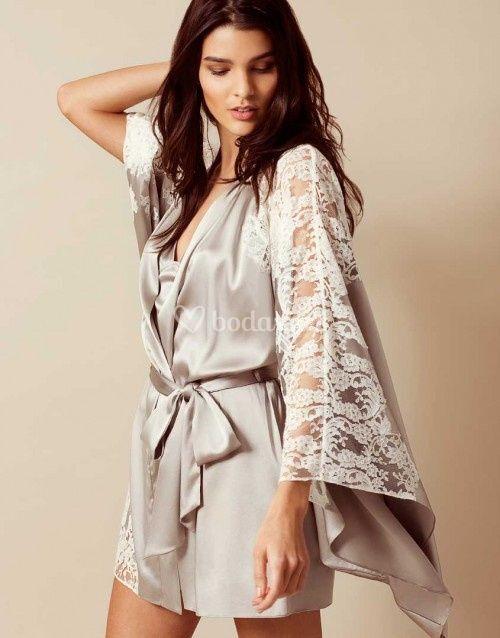 nayelli kimono, Agent Provocateur