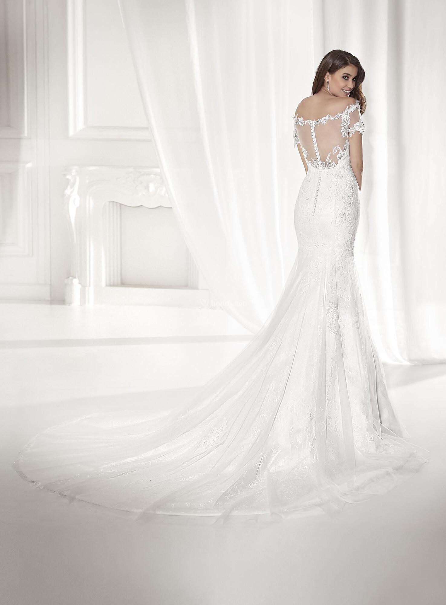 f4da97d2eef https   www.bodas.net vestidos-novias vertize-gala bucarest--v156705 ...