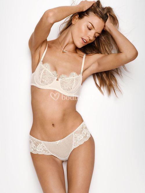ER-375-404 2, Victoria's Secret