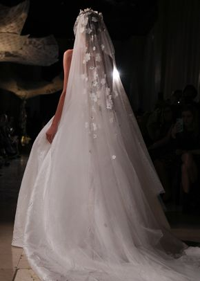Elegance of the Stars, Reem Acra