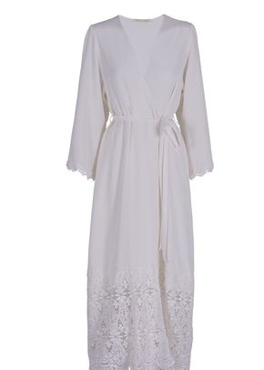 Robe No.7, Mae's Sunday