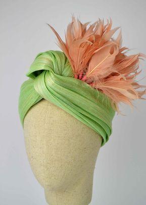 Lady Saray, La sombrerera