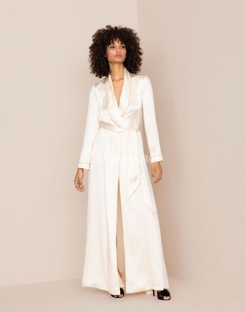 Classic Long Dressing Gown Ivory, Agent Provocateur