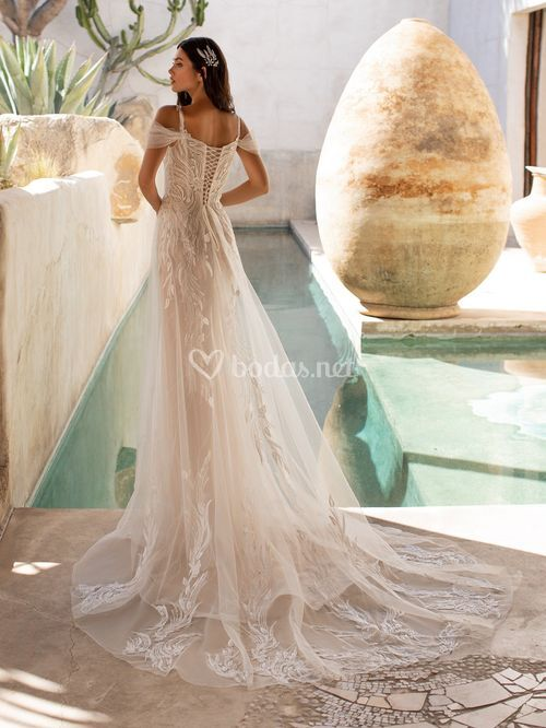 HUNTER, Pronovias