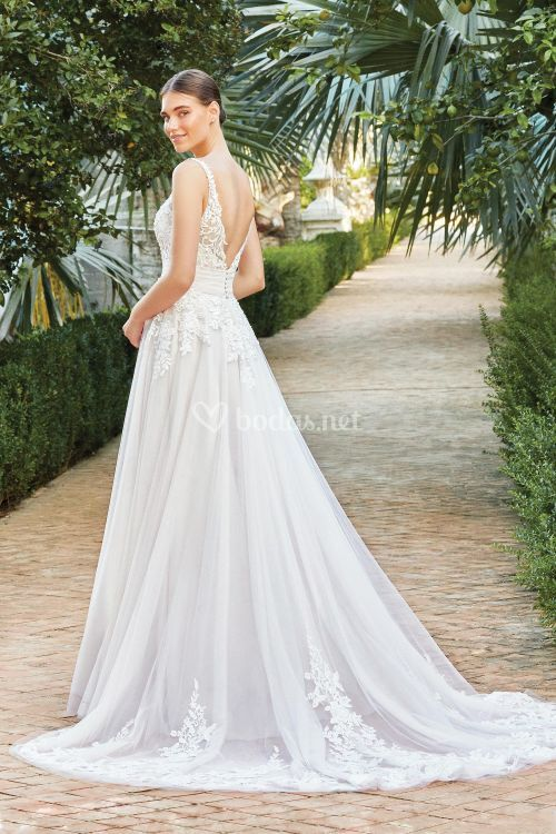 44208, Sincerity Bridal