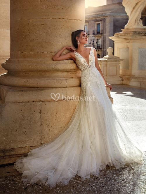 NC12101, Nicole Couture