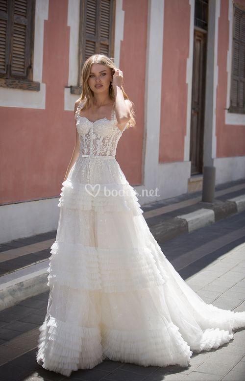 Alisa, Dovita Bridal