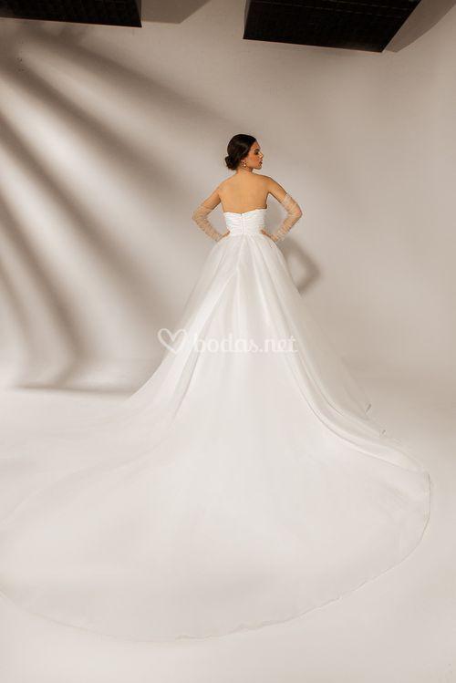 Geneve, Dovita Bridal