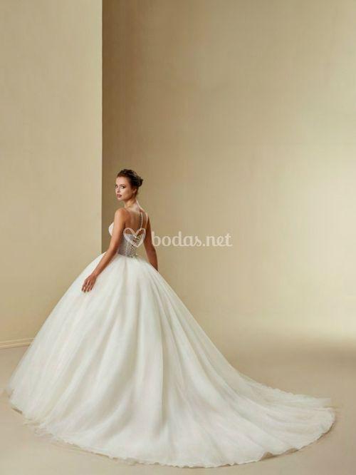 2532, Crystalline Bridals