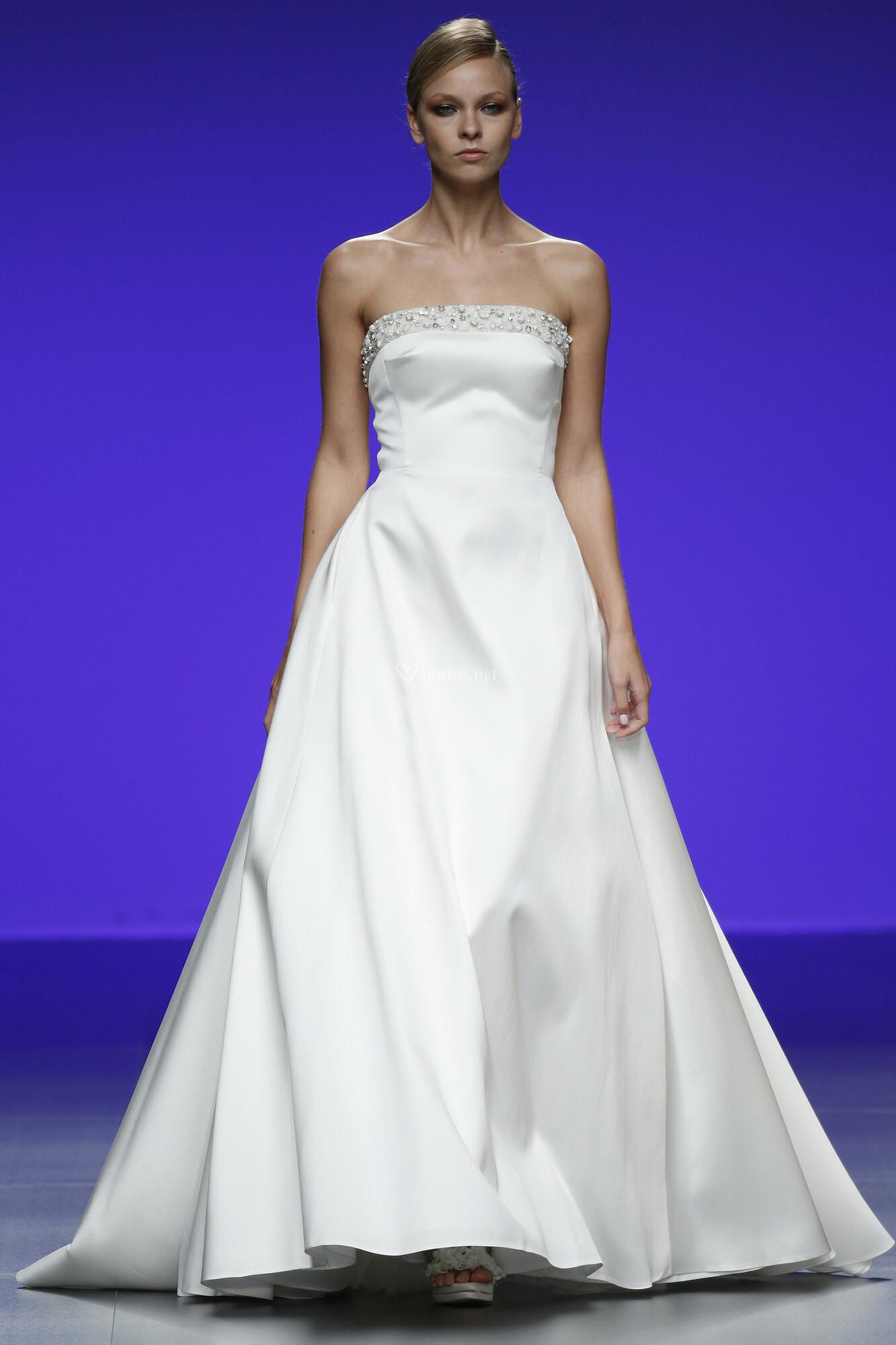 Asombroso Tiendas De Vestido De Novia Guildford Adorno - Vestido de ...