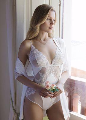 I (7), Ivette Bridal