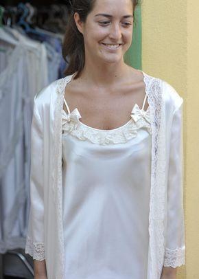 LEONOR CORTA, Miss Camisones