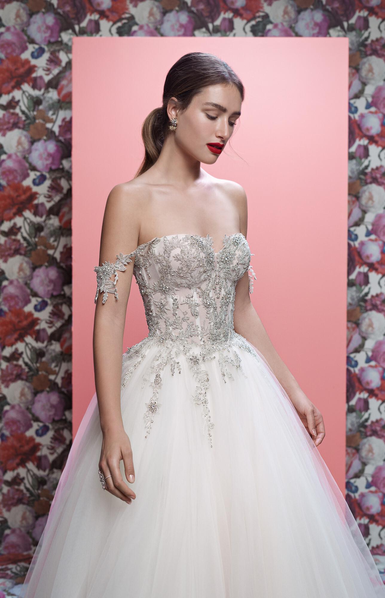 Encantador Vestido De Novia De La Reina Victoria Friso - Colección ...