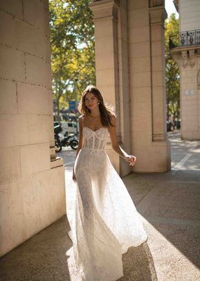 DOMINIQUE, Muse by Berta
