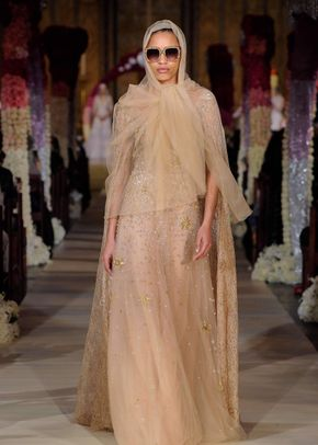 Whos That Girl, Reem Acra