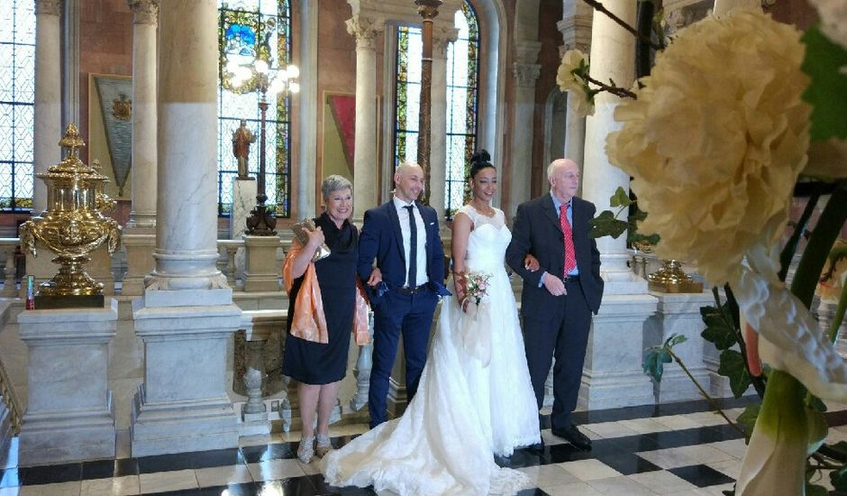 La boda de Oyaiky y Clarabel  en Bilbao, Vizcaya