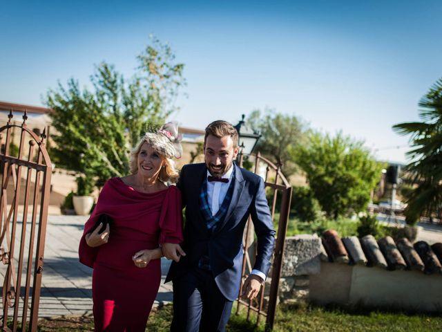 La boda de Albert y María en Villar De Los Alamos, Salamanca 69