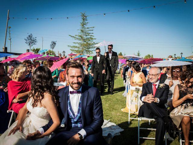 La boda de Albert y María en Villar De Los Alamos, Salamanca 83