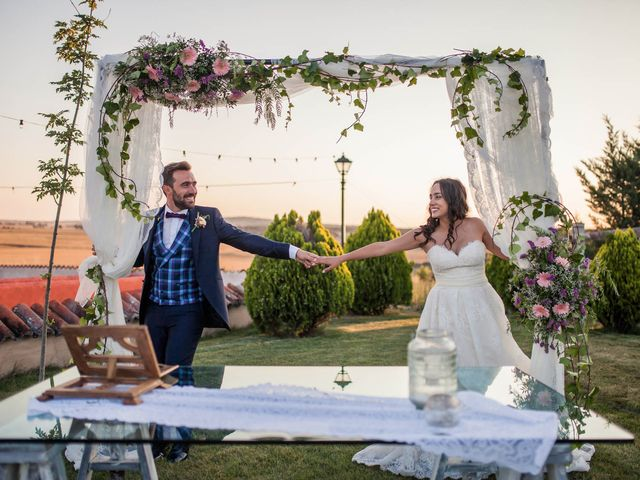 La boda de Albert y María en Villar De Los Alamos, Salamanca 145