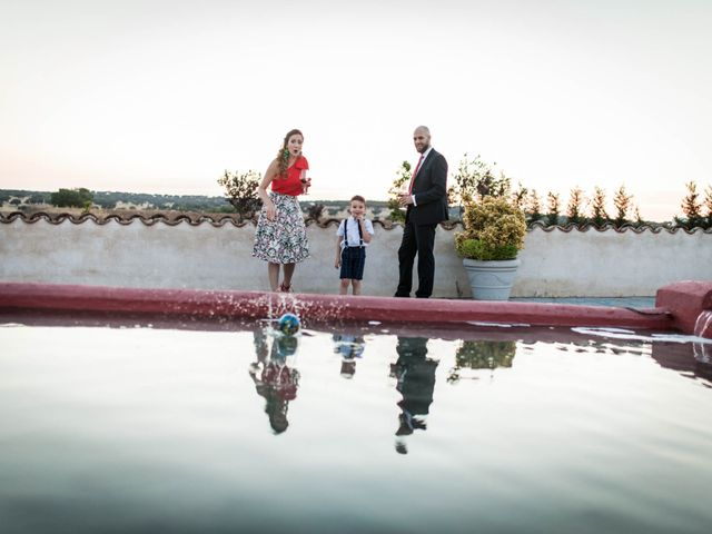 La boda de Albert y María en Villar De Los Alamos, Salamanca 166
