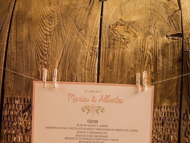La boda de Albert y María en Villar De Los Alamos, Salamanca 177