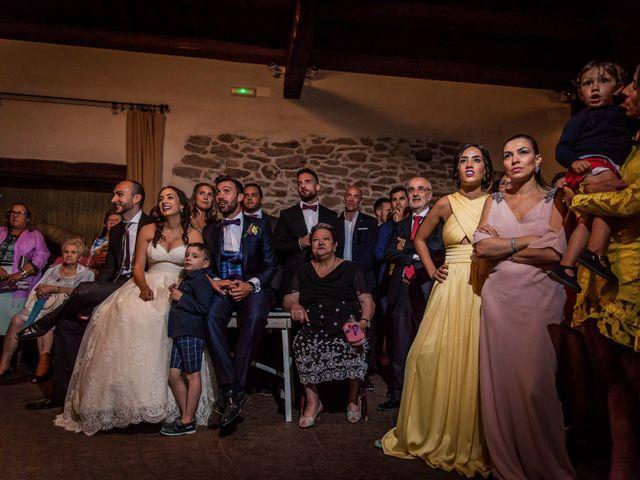 La boda de Albert y María en Villar De Los Alamos, Salamanca 186