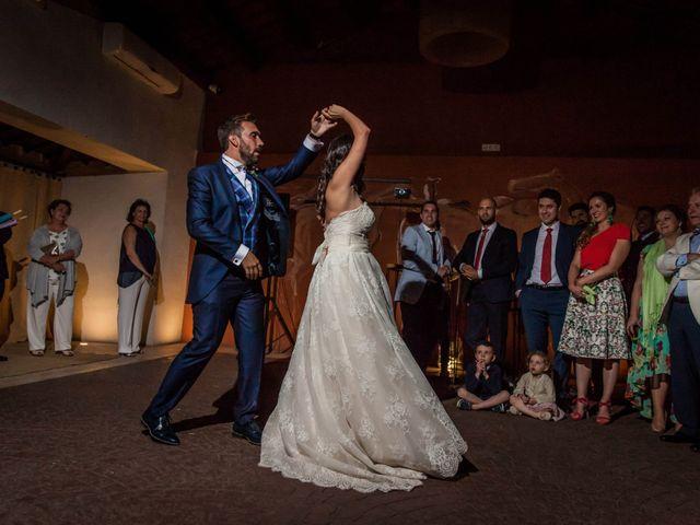 La boda de Albert y María en Villar De Los Alamos, Salamanca 197